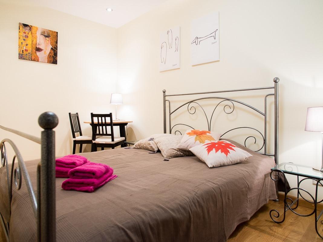 Apartment-Classic-Private Bathroom-Balcony