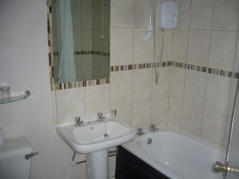 Rm 19 bathroom