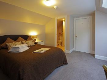 Twin room-Ensuite-Small