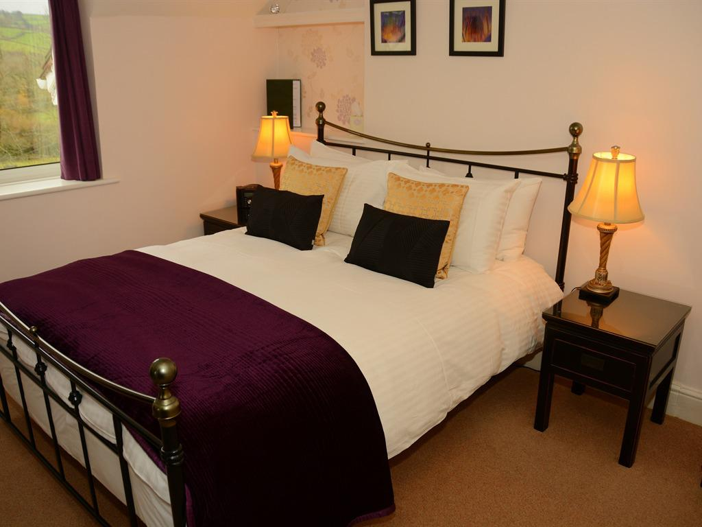 Double room-Standard-Ensuite-With  bath/shower