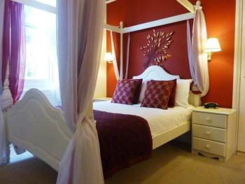Double room-Superior-Ensuite with Bath-Street View-Room 8