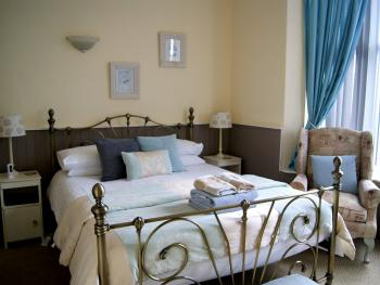 Double room-Superior-Ensuite with Shower-Sea View-Ground Floor
