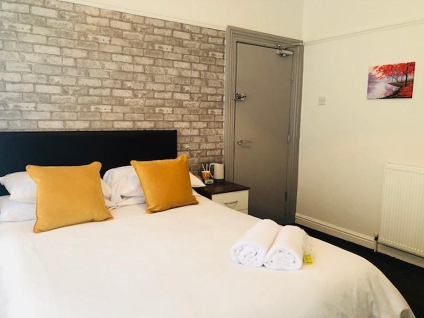 Double room-Shared Bathroom-Room 4