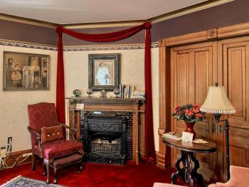 Queen Anne Room-Standard-Queen-Ensuite