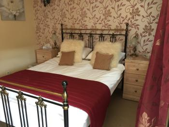 Double room-Standard-Ensuite - Base Rate