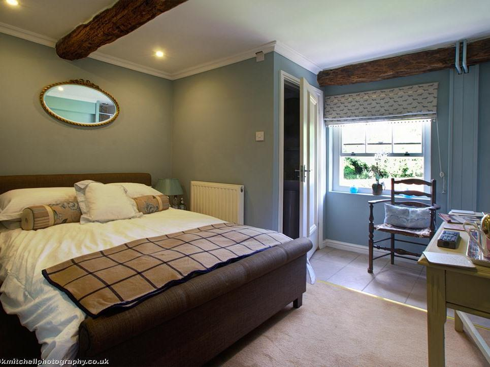 Double room-Standard-Ensuite with Shower-Garden View-The Atherstone - Base Rate
