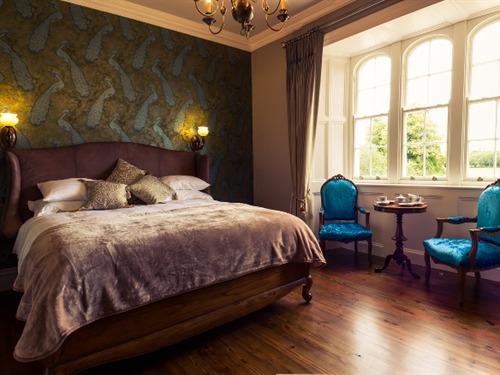 Thornhill Suite - 3 Bedroom Apartment
