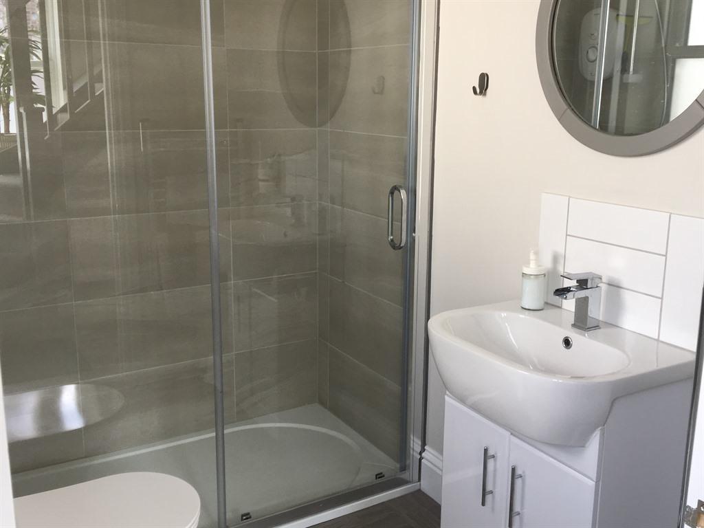 Apartment-Private Bathroom-Garden View