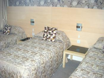 Triple bedroom (3 single beds)