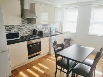 Apartment-Family-Ensuite with Bath-2 Bed Flat