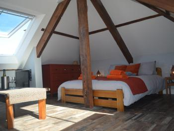 Appledore Factory - Loft - king size bed
