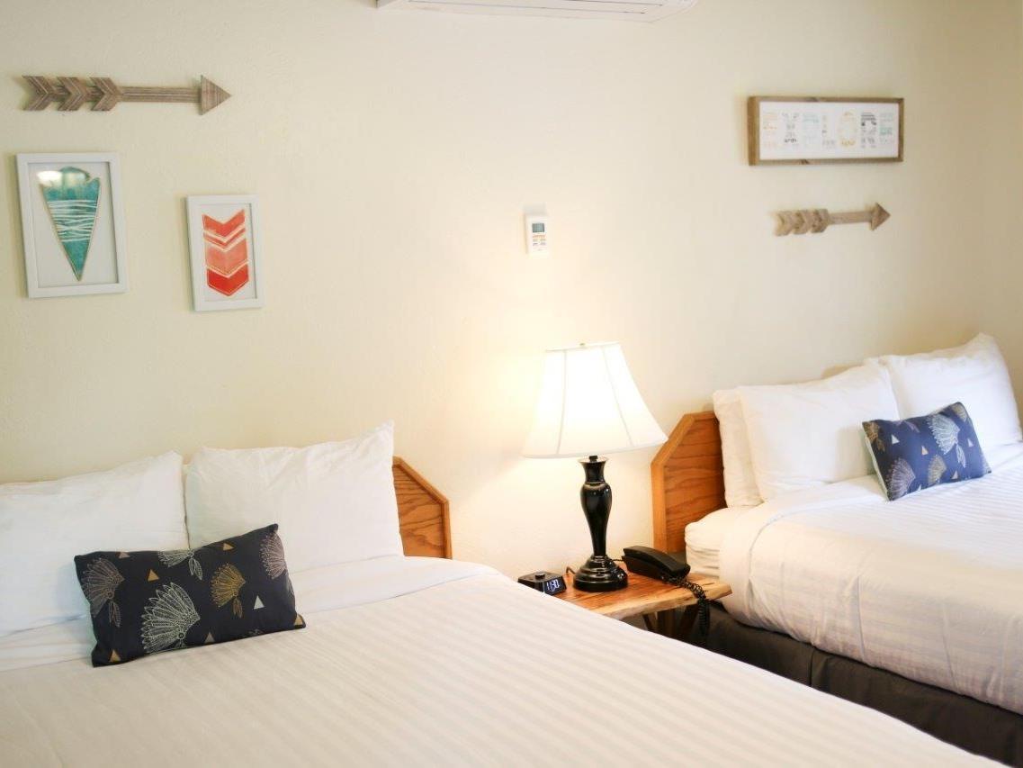 Buckeye Room 10