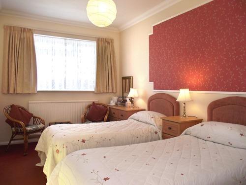 Twin room-Standard-Ensuite-Room 5