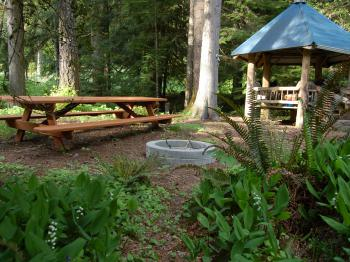 Stepping Stone Totem - gazebo with BBQ, picnic table, fire pit next to the stream