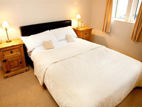 Double room-Standard-Ensuite with Shower - Room Only