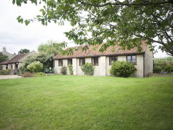 Cottage-Premier-Private Bathroom-Garden View-Two Bedroomed Cottage