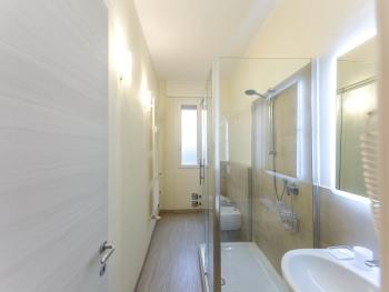 Camera familiare con bagno privato