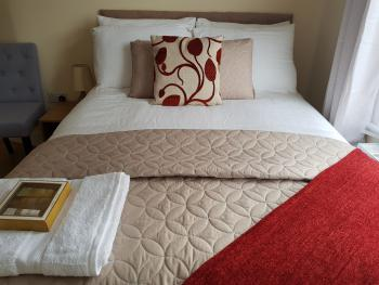 Double room-Premium-Ensuite with Shower-Garden View-Room 3 - Base Rate