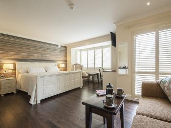 Master/Honeymoon Suite- Bay view.