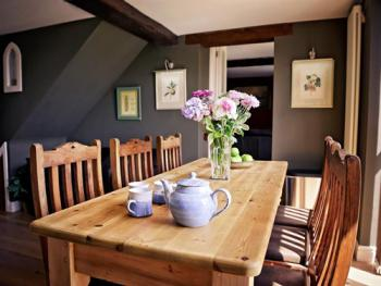 Queen Anne's Stable - Large eat-in kitchen