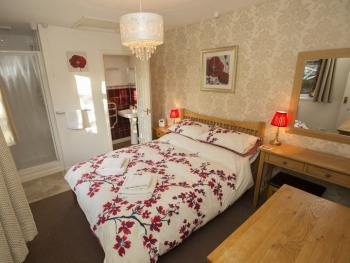Family room-Ensuite, Breakfast Option Available