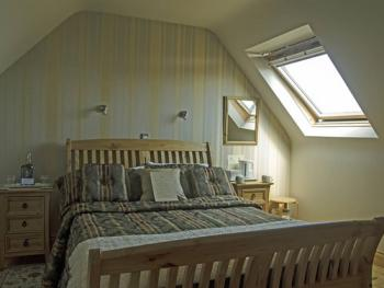 King-Deluxe-Private Bathroom-Sea View-THE DORMER ROOM