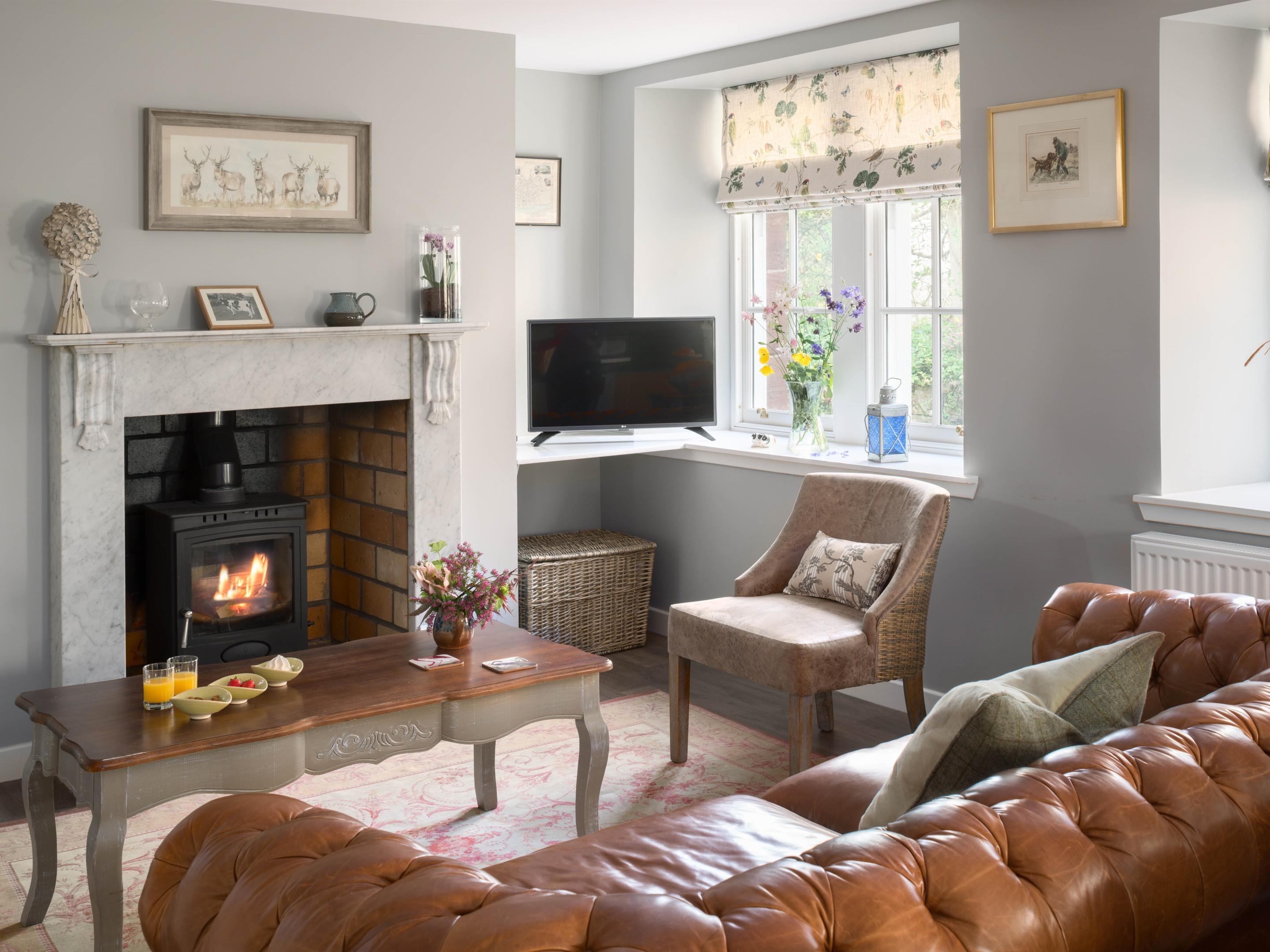 """Three-Bedroom Cottage """"Roselea"""""""