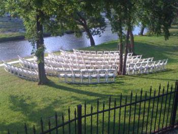 Whether outdoor events are formal or informal, our creekside grounds are like no other in the area.