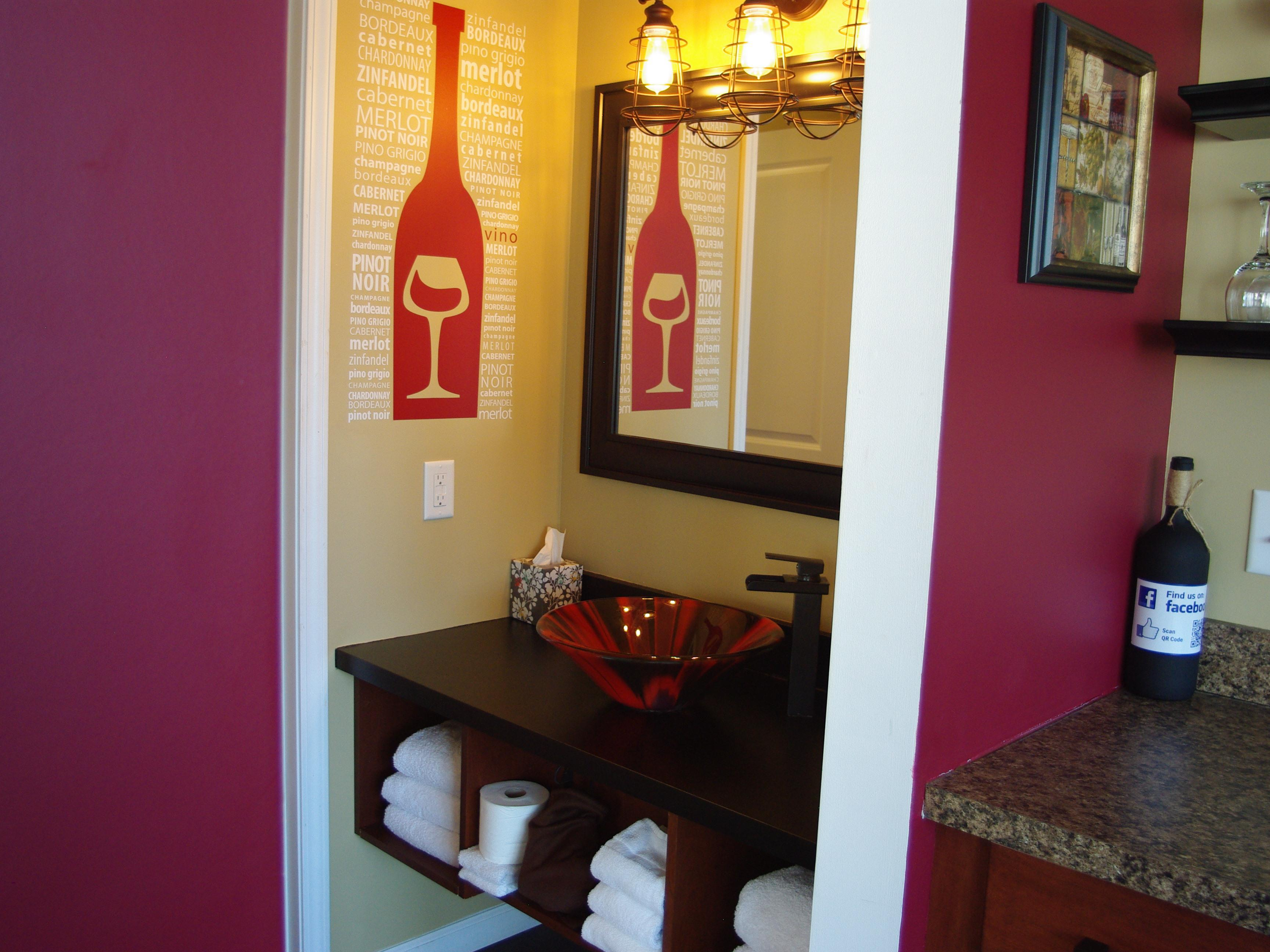 The Wine Cellar-River view-Premium-Suite-Private Bathroom