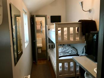 Small Twin Ensuite with Bunk Beds
