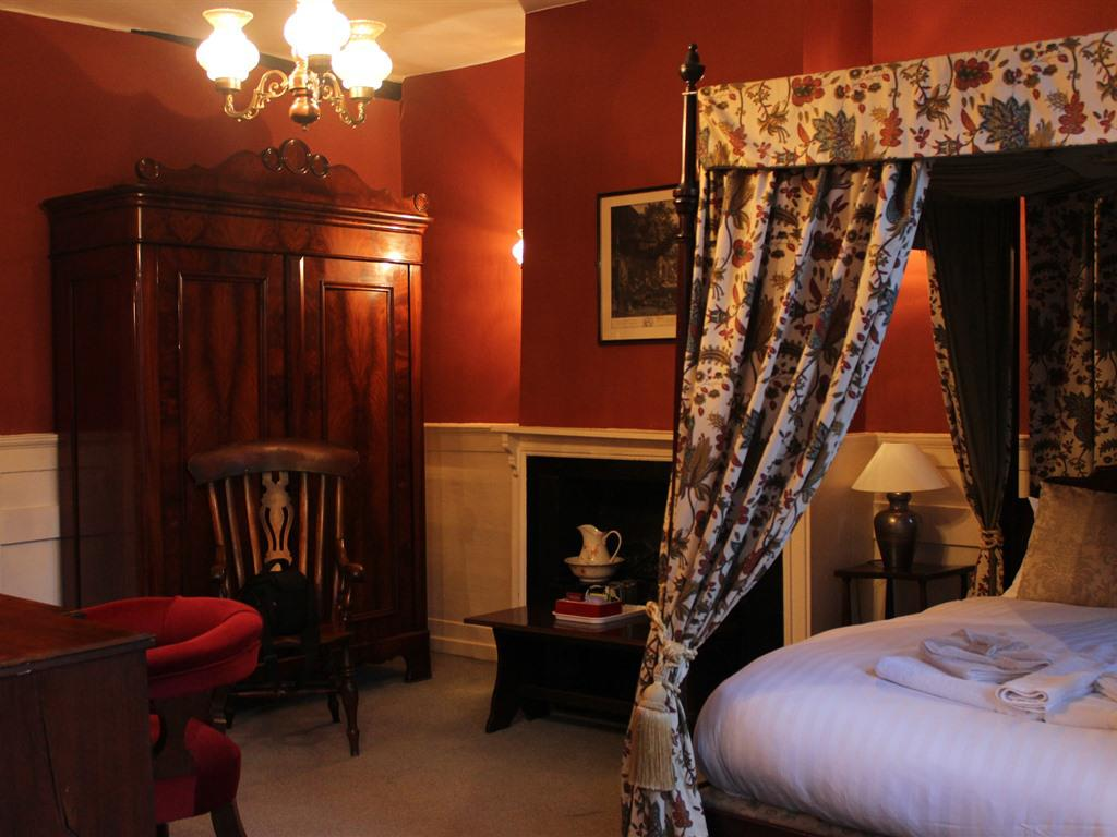 Double room-Ensuite-Four Poster - ROOM ONLY