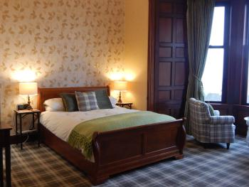 Hillcrest House - Moray - superior king room, lovely view