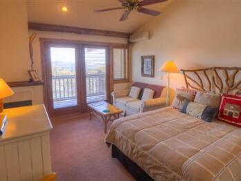 Snowshoe Queen Lodge Room