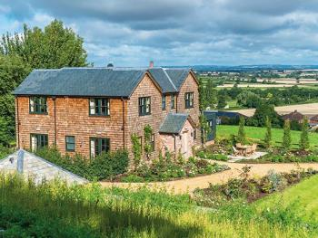 Cottage-Luxury-Ensuite-Garden View-6 Bedroom House