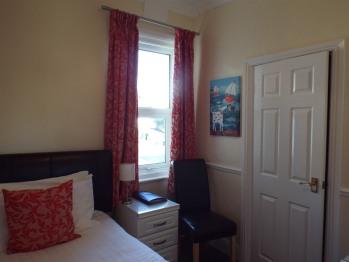 Single Room - Room 8
