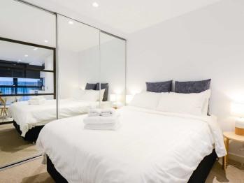 Apartment-Standard-Private Bathroom-** - Apartment-Standard-Private Bathroom-**