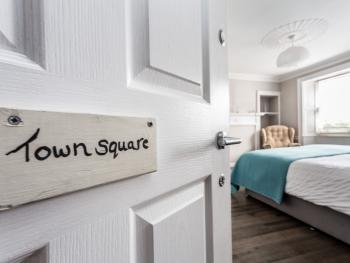 Double room-Superior-Ensuite-Town Square