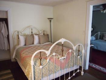 Maid's Suite bedroom