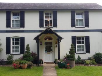 Denbies Farmhouse Accommodation -