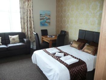 Apartment-Luxury-Private Bathroom-Sea View-Studio (sleeps up-to 4)