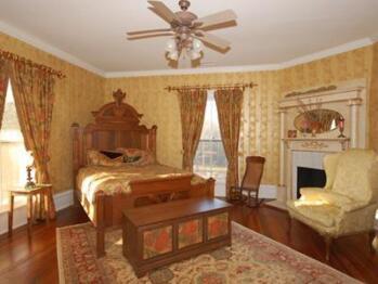 Quad room-Ensuite-Superior-Gold Room.