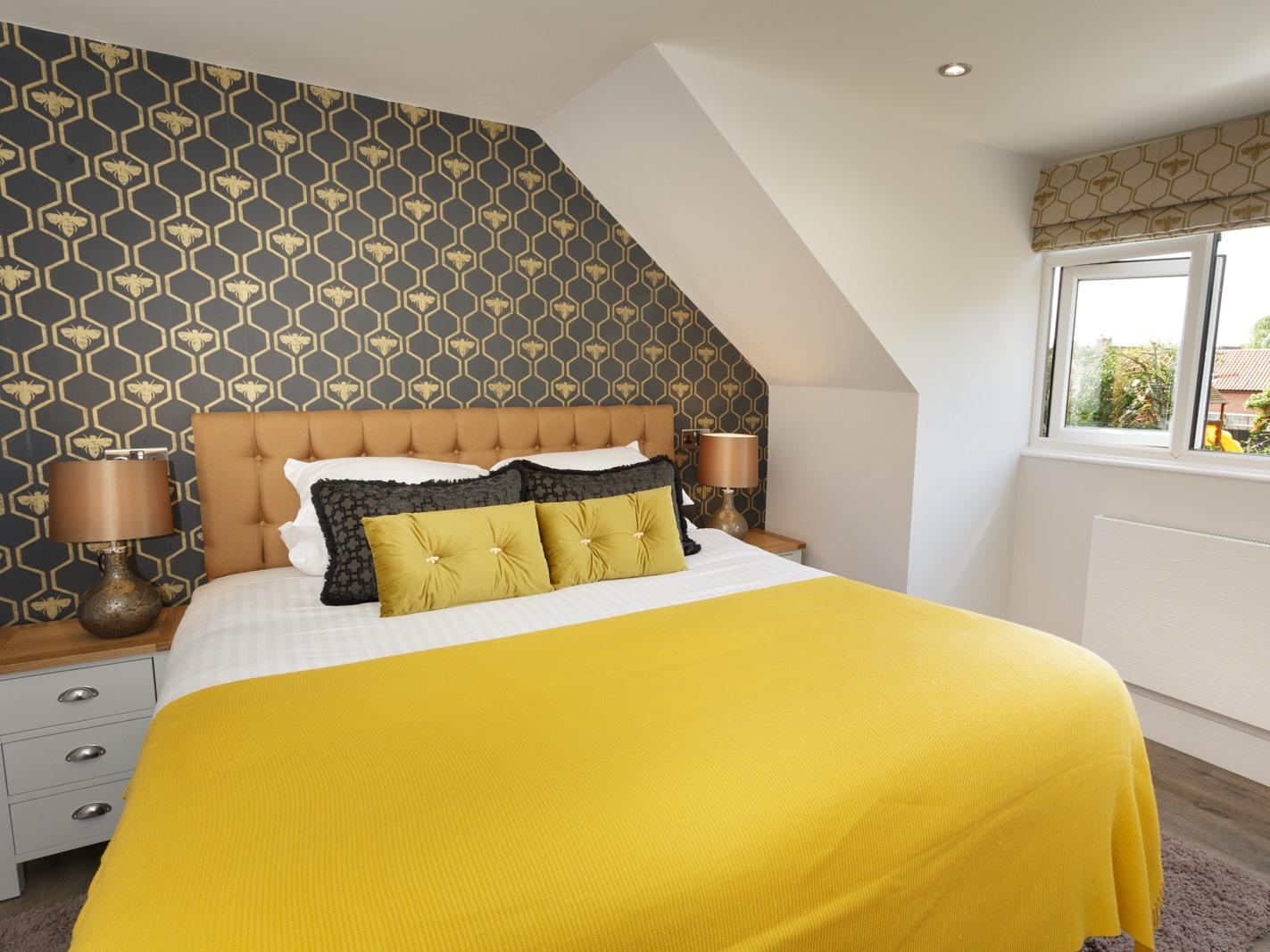 Double Room | En-Suite with Shower | Manor Lodge
