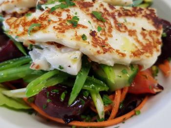 House Salad with Halloumi