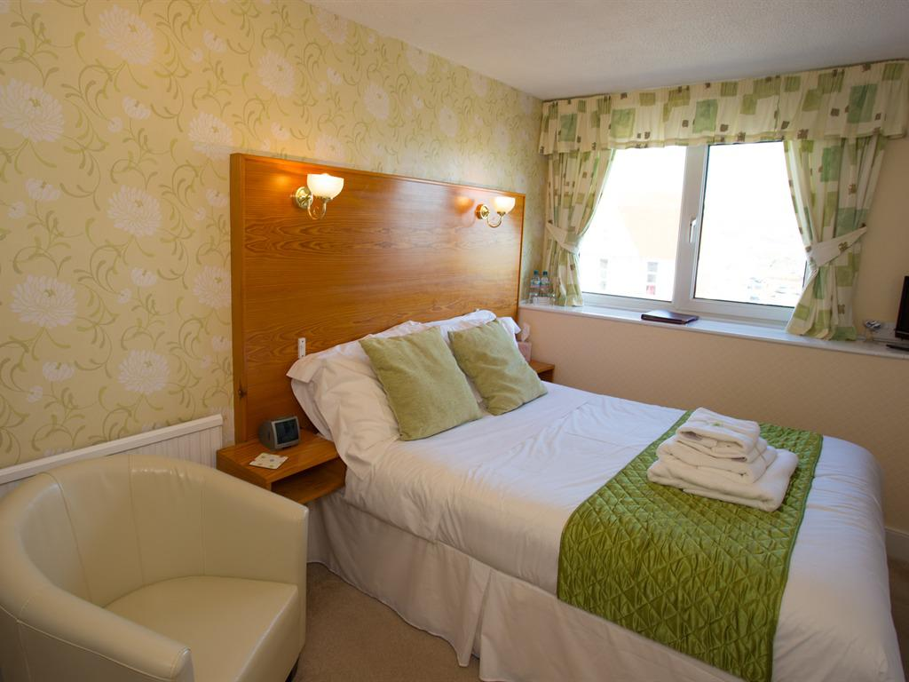 Double room-Ensuite-Sea View-Small - Base Rate