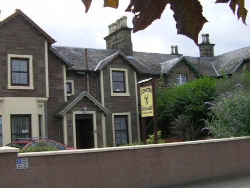 Front view of Caberfeidh B&B