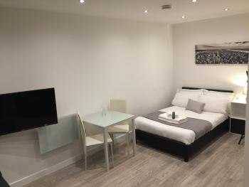 Redbrick Serviced Apartments - Sherwood House - Studio 5