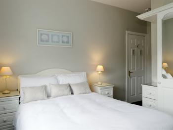 Double room-Ensuite with Shower-Garden View-Room 4 - Base Rate