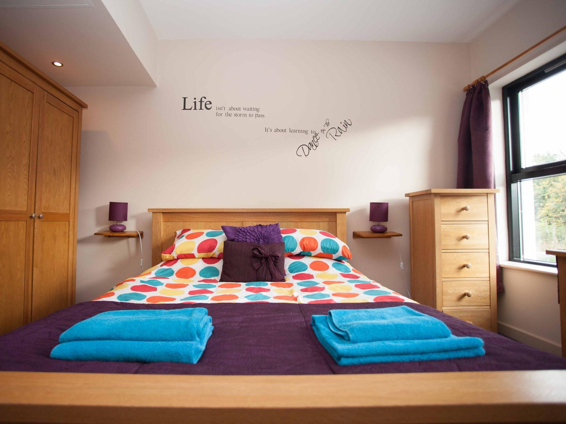 Double room-Comfort-Ensuite with Bath-Street View