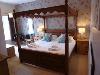 King-Deluxe-Ensuite-Four Poster - King-Deluxe-Ensuite-Four Poster
