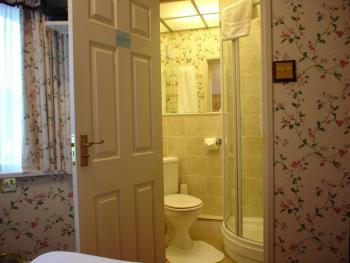 En suite shower room - Room 3